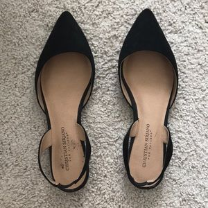 Black pointed toe flat